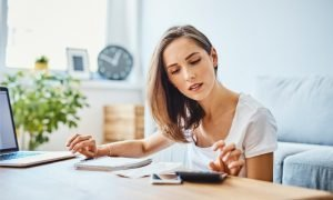 Who pays bills more regularly? Homeowners or non-homeowners?